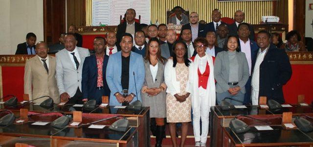 ELECTION DES PRÉSIDENTS DES COMMISSIONS PERMANENTES ET DU RAPPORTEUR DE LA COMMISSION DES FINANCES ET DU BUDGET