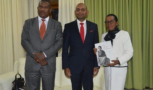 VISITE DE COURTOISIE DE L'AMBASSADEUR DE LA RÉPUBLIQUE DE L'INDE AUPRÈS DE LA PRÉSIDENTE DE L'ASSEMBLÉE NATIONALE DE MADAGASCAR