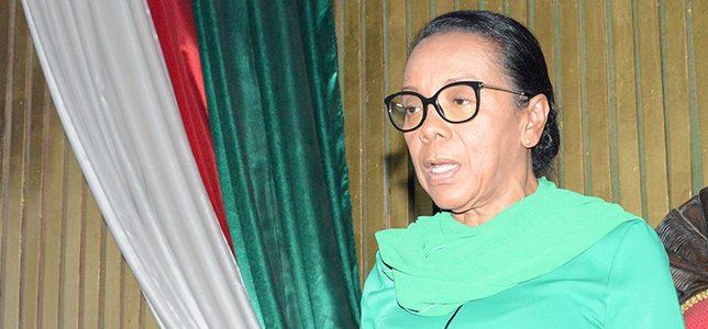 Discours de Mme la Présidente Christine RAZANAMAHASOA lors de la cérémonie d'ouverture de la session extraordinaire du 04 Mars 2020