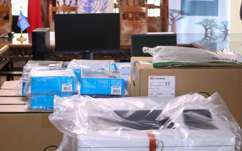 Remise de matériels informatiques à l'Assemblée nationale par le PNUD